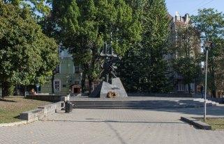 Пам'ятник жертвам комуністичних злочинів