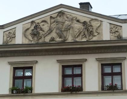 Кам'яниця на площі Ринок, 24. Скульптурний фрагмент. Фото: Ксенія Янко