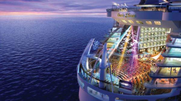 全世界最大最豪华邮轮 『海洋绿洲号』