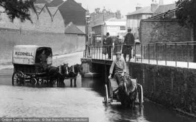 Kingston Upon Thames, Waggons In The Water Splash 1906 - Francis Frith