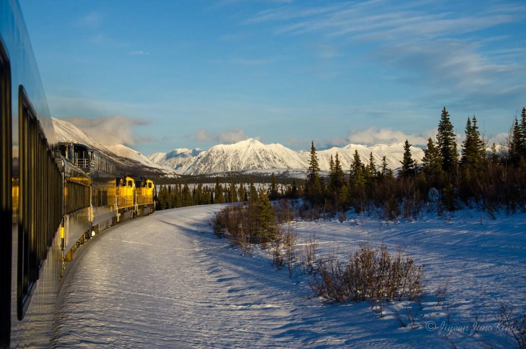 Aurora Winter Train goes through the mountains!