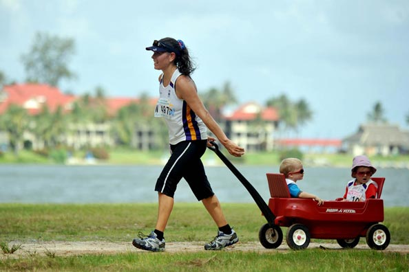 One entrant made it a family affair at the Laguna Phuket International Marathon.