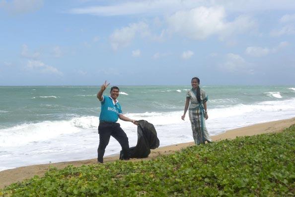 Phuket Organised Beach Cleaning Exercise