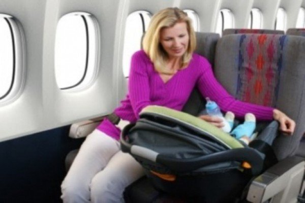 Top tips for parents travelling with kids on a plane