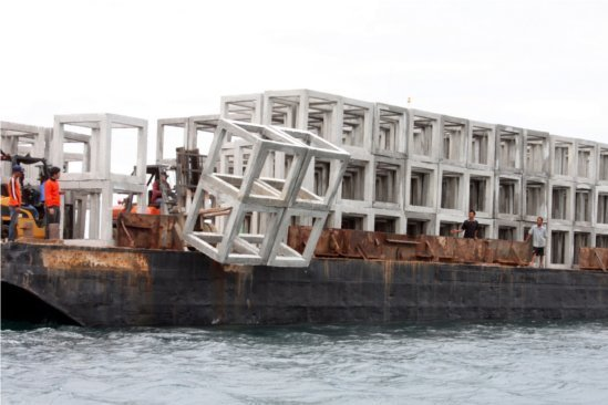 Phuket places new artificial reef