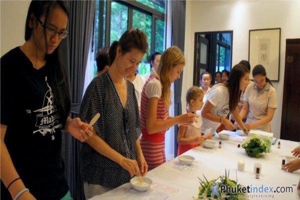 Phuket Attitude Club's Relaxing Mom Workshop