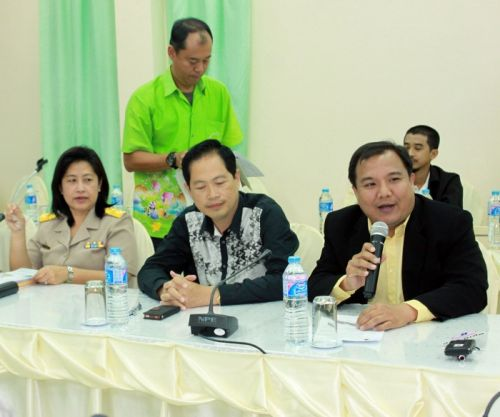 Phuket PAO discusses 'Clean up the World' project