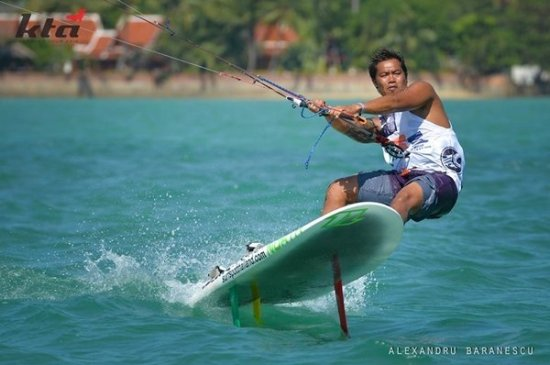 Phuket's Kite Tour Asia Christmas Race Special