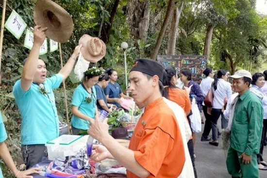 Amari Phuket holds CSR Fair for fund-raising