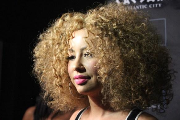 amber-rose-avec-des-cheveux