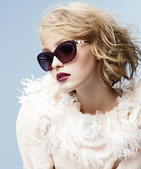 chanel-lily-rose-depp-lunette-Karl-Lagerfeld
