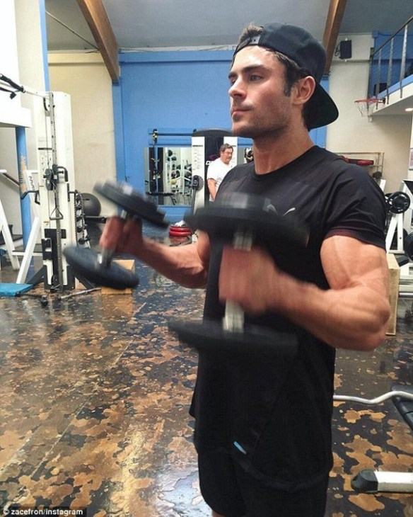 training-zac-efron