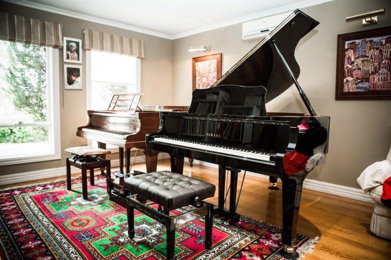 Studio gallery grand pianos