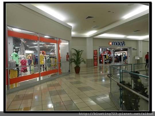 美國關島《 Micronesia Mall》macy's.jpg