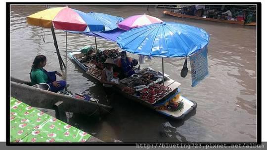 泰國《Amphawa安帕瓦水上市場》船家2.jpg