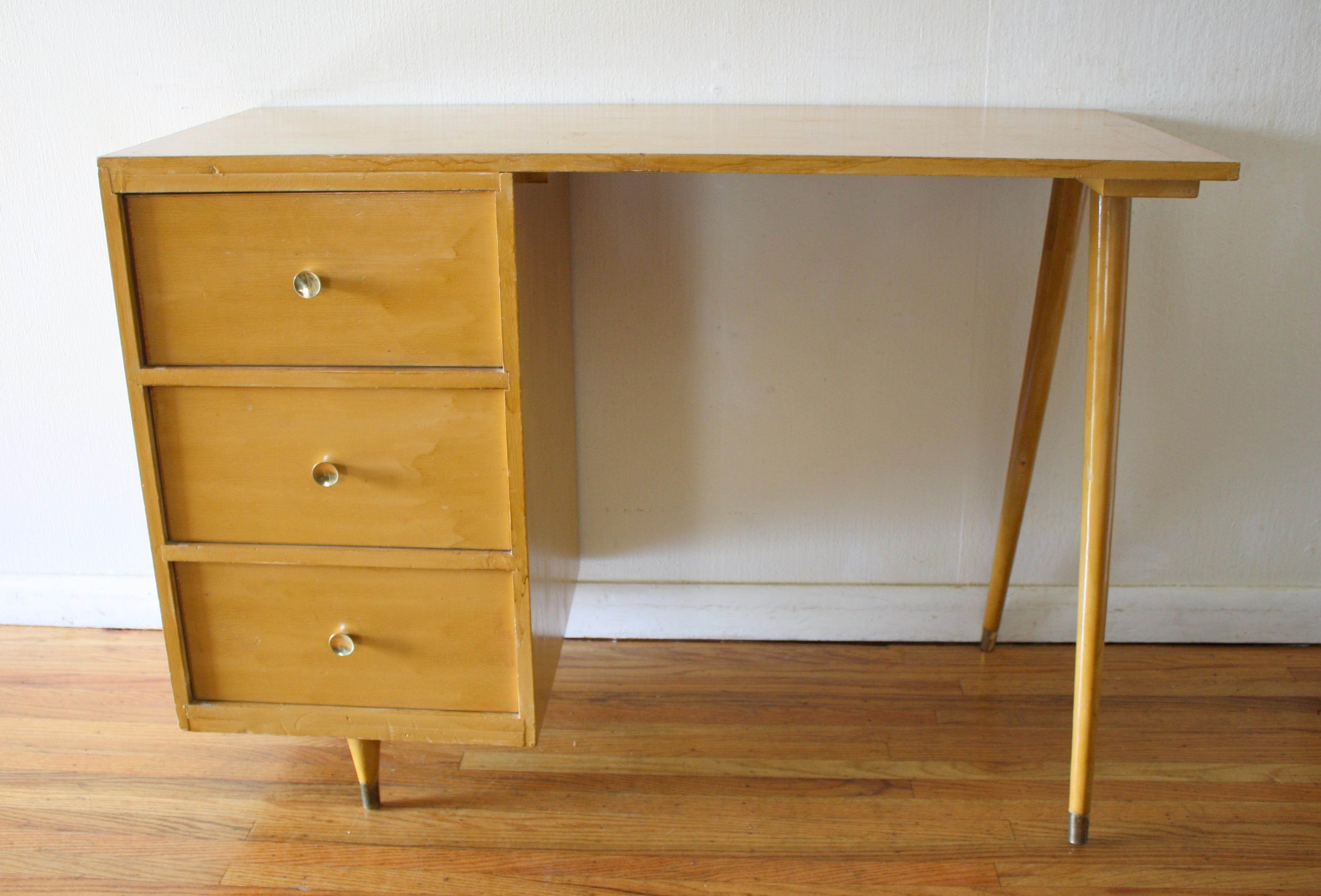 Showy Mcm Blonde Splayed Leg Desk Mid Century Desks Picked Vintage Mid Century Desk Wallpaper Mid Century Desk Chair houzz 01 Mid Century Modern Desk