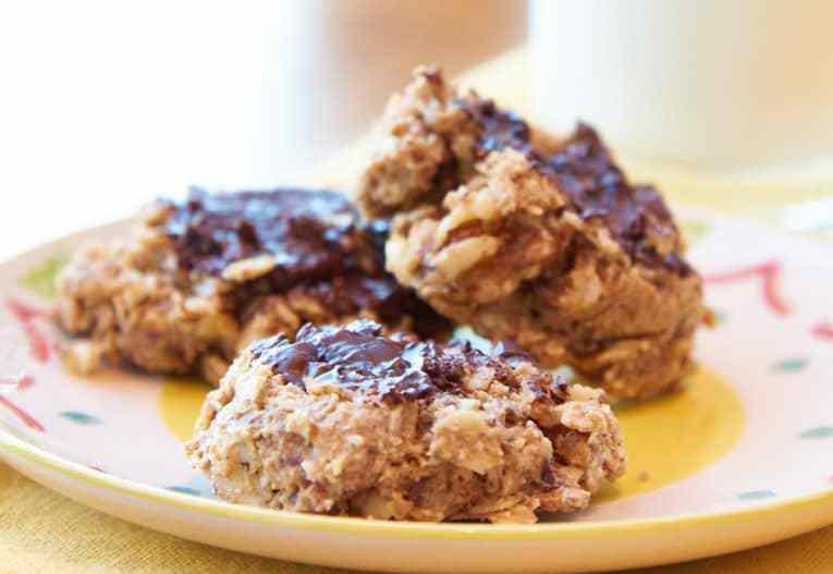 Gluten Free Vegan Oatmeal Breakfast Cookies with Chocolate
