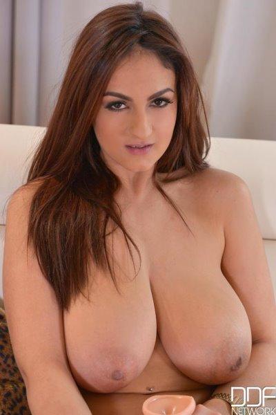 spanish big boobs