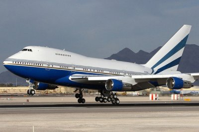 2011 Boeing 747-8 | plane review @ Top Speed