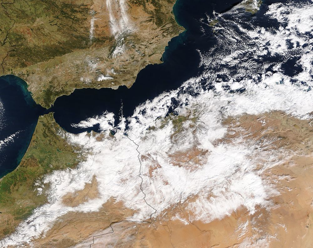 Sahara Snow On January 17 2012 - Is It Unprecedented?
