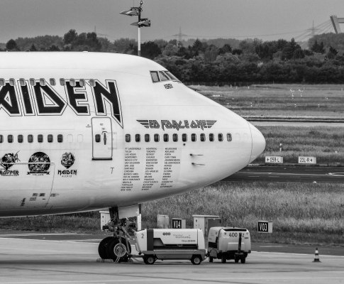 Ed Force One – Der fliegende Iron Maiden Tourbus!