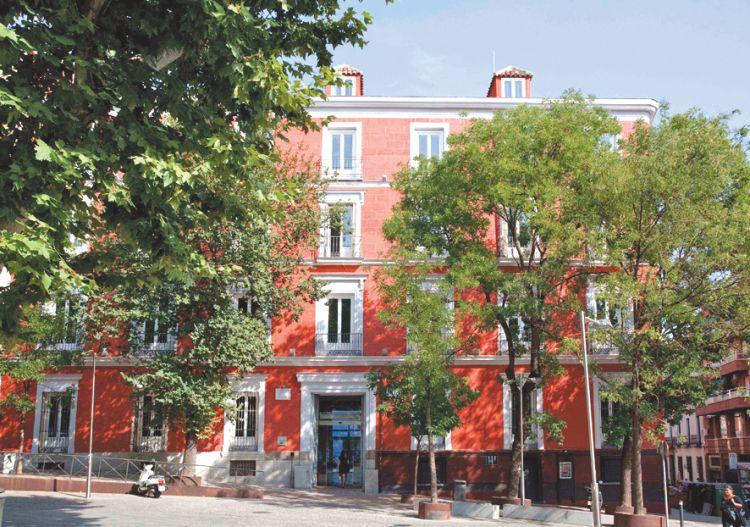 petit palace santa barbara facade