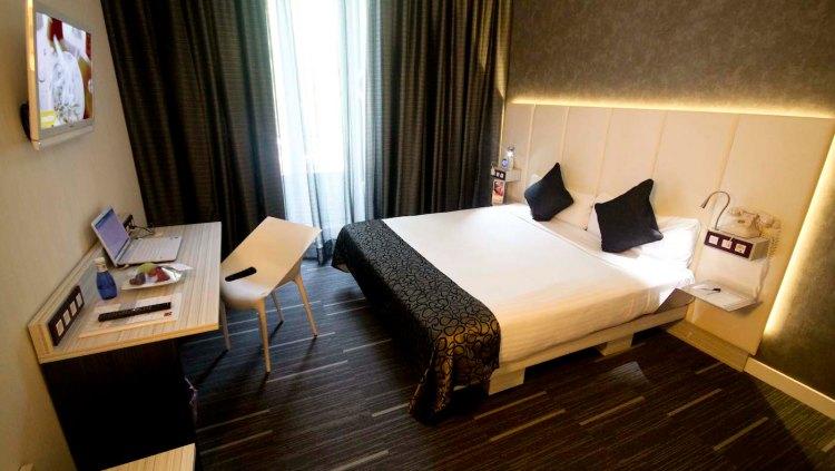 petit-sta-barbara guest room featured