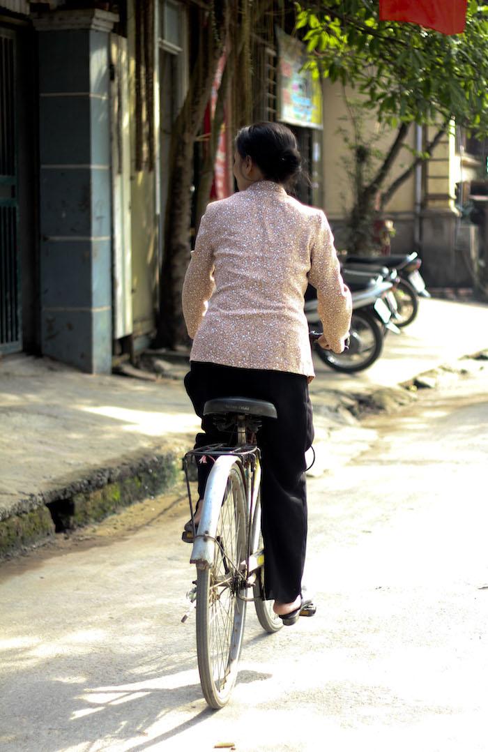 Hanoi Top 10 woman on bike pinaytraveller