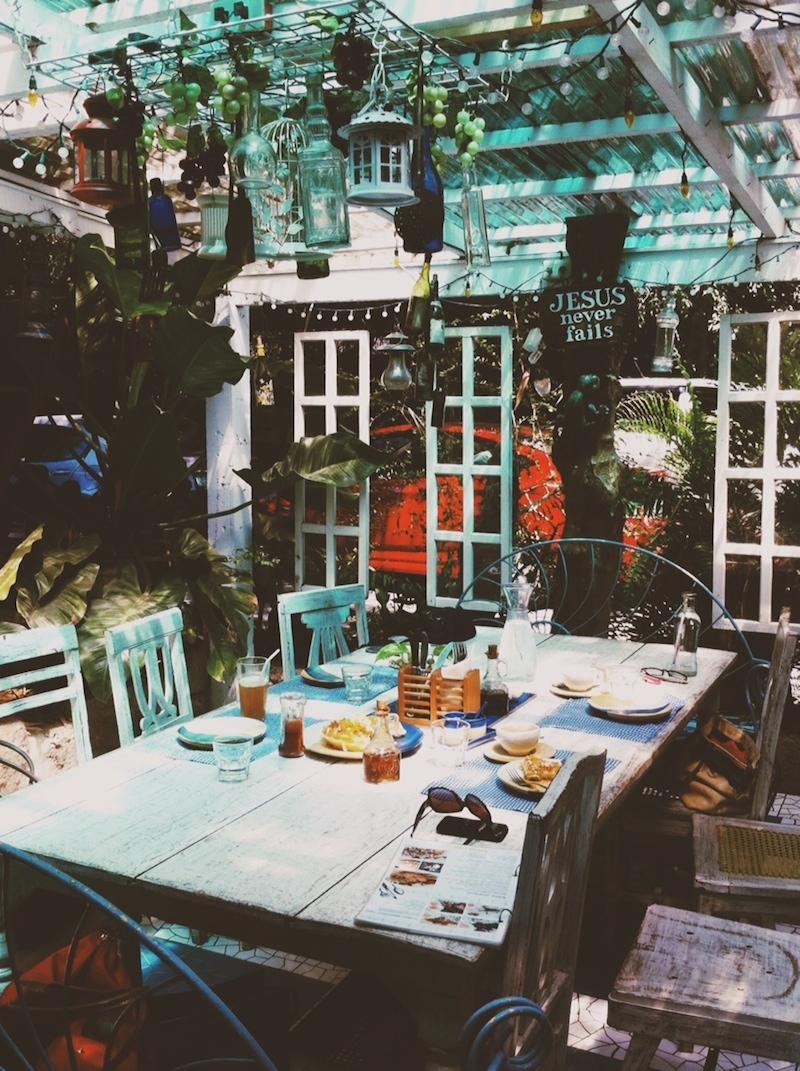 Rustic Mornings Table Pinay Traveller