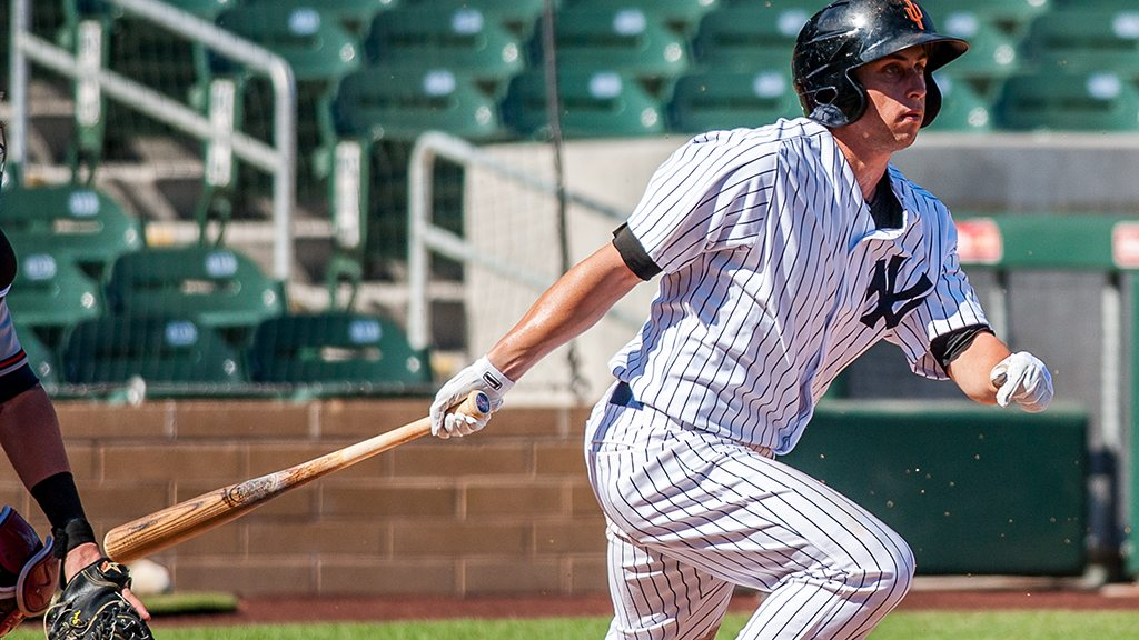 """Dustin Fowler with the Surprise Saguaros in the AFL  ( Ryan """"Moose"""" Morris - Freelance Photographer)"""