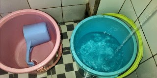 Hukum Air di Toilet Umum