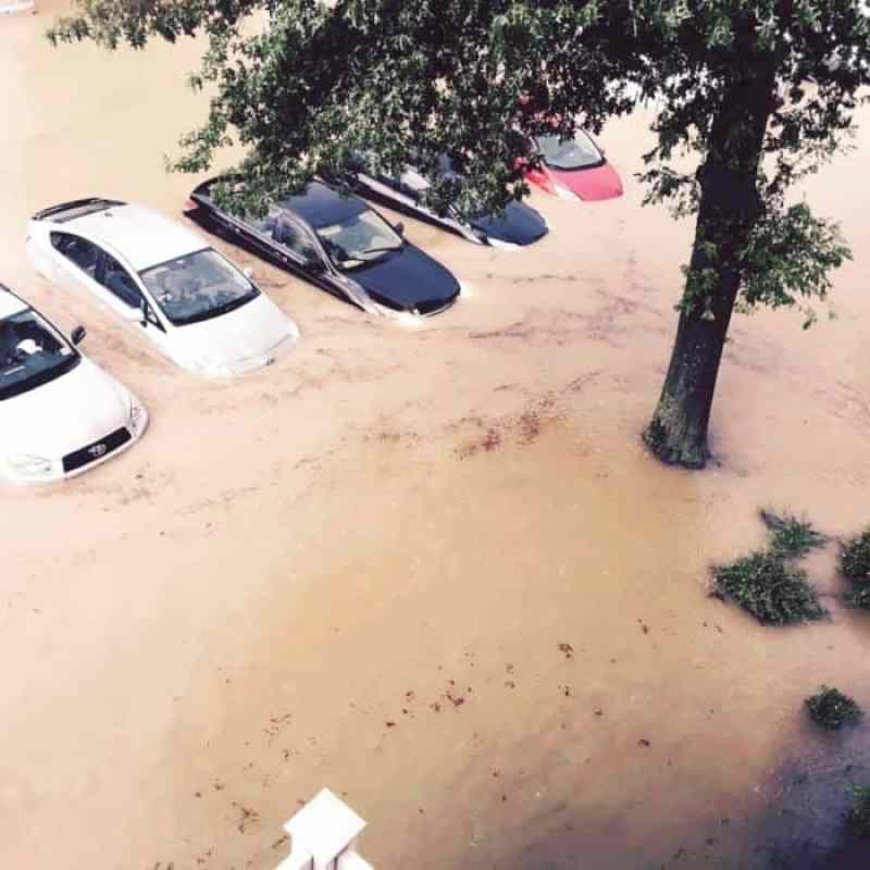 The parking lot at a condominium complex off Canal Pointe Boulevard in Saturday afternoon. Photo by David Dorfman.