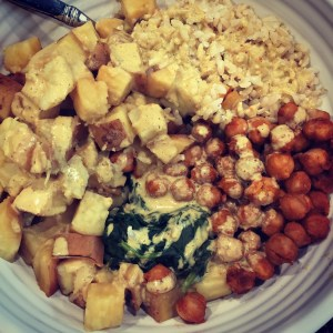 Brown rice, sweet potato, kale and baked chickpeas topped with Tahini Sauce.