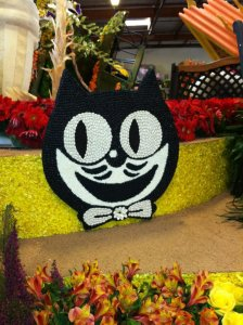 "Kit-Cat Clock Company's Rose Parade float ""Timeless Fun for Everyone"""