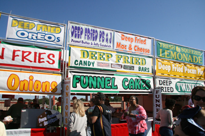 Food-Vendors-at-the-Fair
