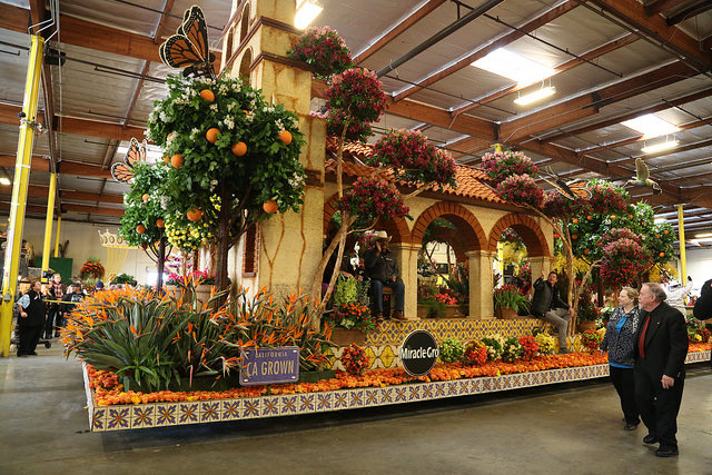 """Life Starts Here,"" a float from Miracle-Gro"