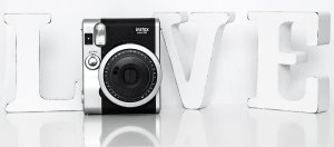 Fujifilm_instax_mini_90_love_polaroid