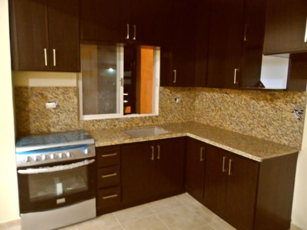 Plastic kitchen cabinets for Plastic laminate kitchen cabinets