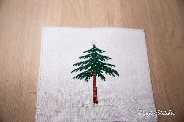[:en]Liebevolle Kreuztichentwurfe stitched tree