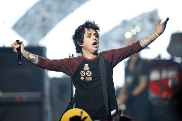 Billie_Joe_Armstrong-cusica-plus