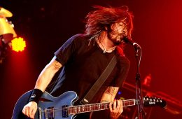Dave-Grohl-cusica-plus