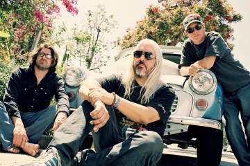 Dinosaur-Jr-cusica-plus