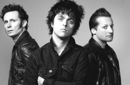 Green Day. Still Breathing. Nuevo tema. Revolution Radio. Nuevo tema. Cúsica Plus