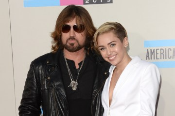 Miley Cyrus. Billy Ray Cyrus. Prayer. Colaboración. Thin Line. Cúsica Plus