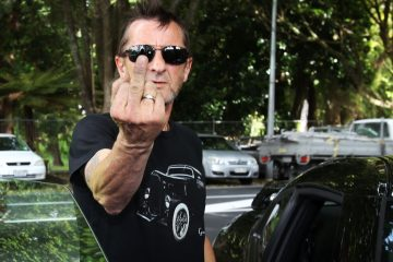 Phil Rudd. Baterista. AC/DC. Axl Rose. Cúsica Plus