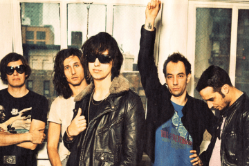 The Strokes. Nueva música. Nick Valensi. Future Present Past. Cúsica Plus