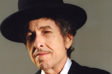 Bob Dylan retoma la guitarra para celebrar su Premio Nobel de Literatura. Cúsica Plus