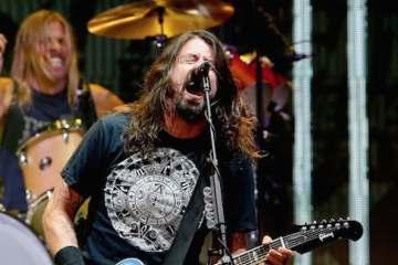 Foo Fighters se toma un tiempo de su descanso para tocar por caridad. Cúsica Plus