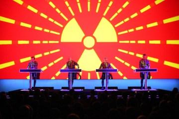 Cancelan el concierto de Kraftwerk en Buenos Aires debido a la prohibición de festivales de música electrónica. Cúsica Plus