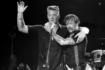 Eagles of Death Metal publicará un documental sobre el ataque terrorista al Teatro Bataclán en París. Cúsica Plus